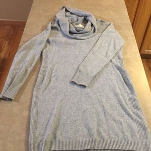 Cynthia Rowley size M dress with sagging neck